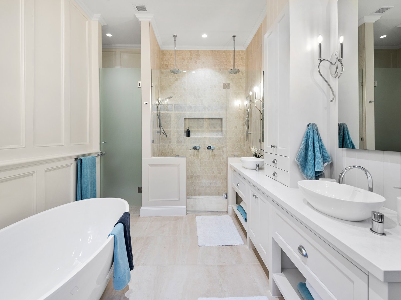 Hawthorne Hamptons House - Bathroom