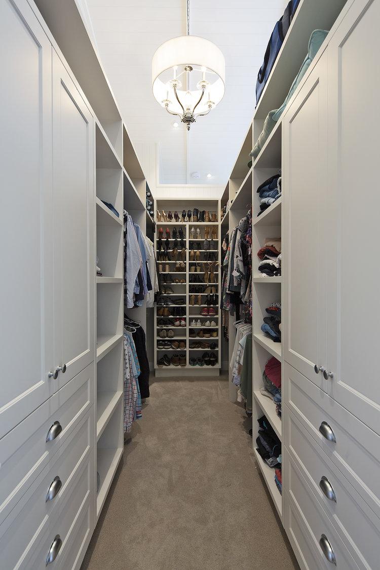 Hawthorne Hamptons House - Walk In Robe